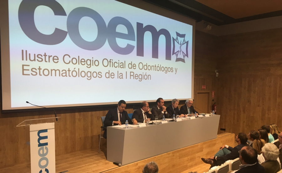 El Presidente del Consejo insiste en reclamar medidas para frenar la mercantilización de la Odontología en España